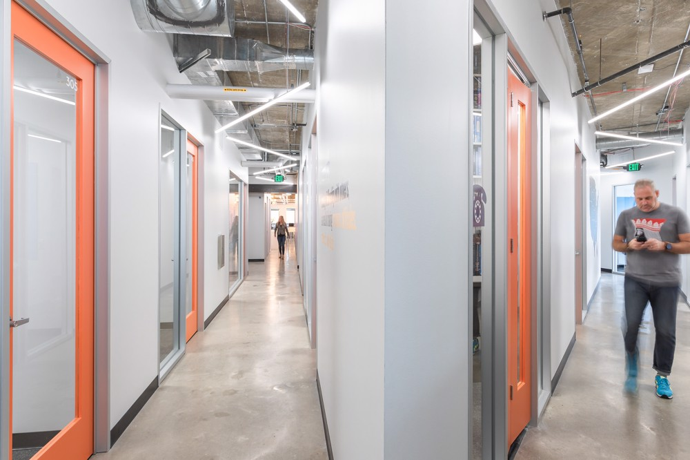 Image of Novel Coworking - The Capitol-4938 - CoeoSpace 4938